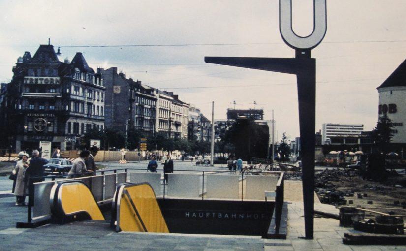 Abgang zur U-Bahn am Hauptbahnhof (Bild: Archiv F. Grundmann, 1960)
