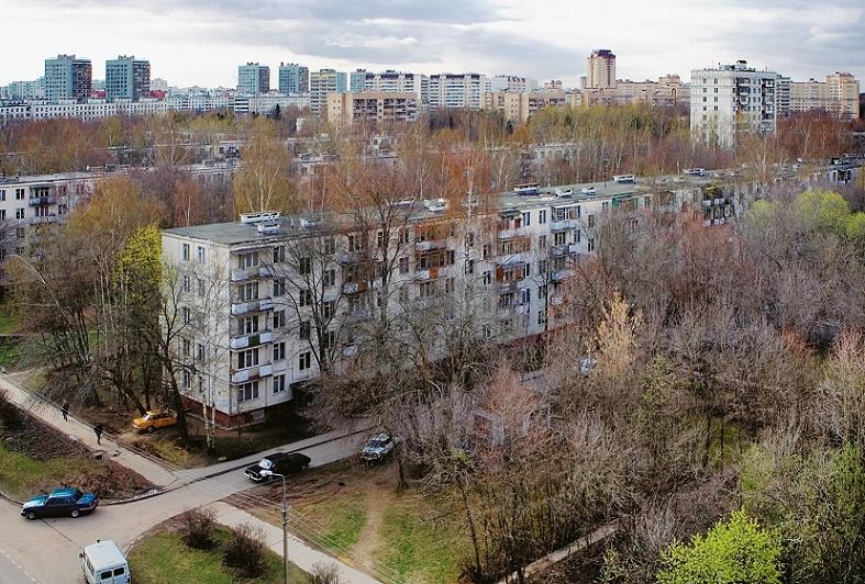 Fünfgeschossige Chruščëvka in Moskau, späte 1950er Jahre (Bild: Alex Motrenko)