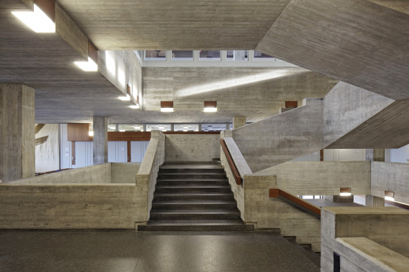 Skulpturale treppen aus beton moderneregional - Treppen architektur ...
