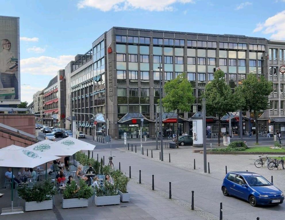 Mannheim, Sparkasse am Paradeplatz (Bild: K. Berkemann, 2020)
