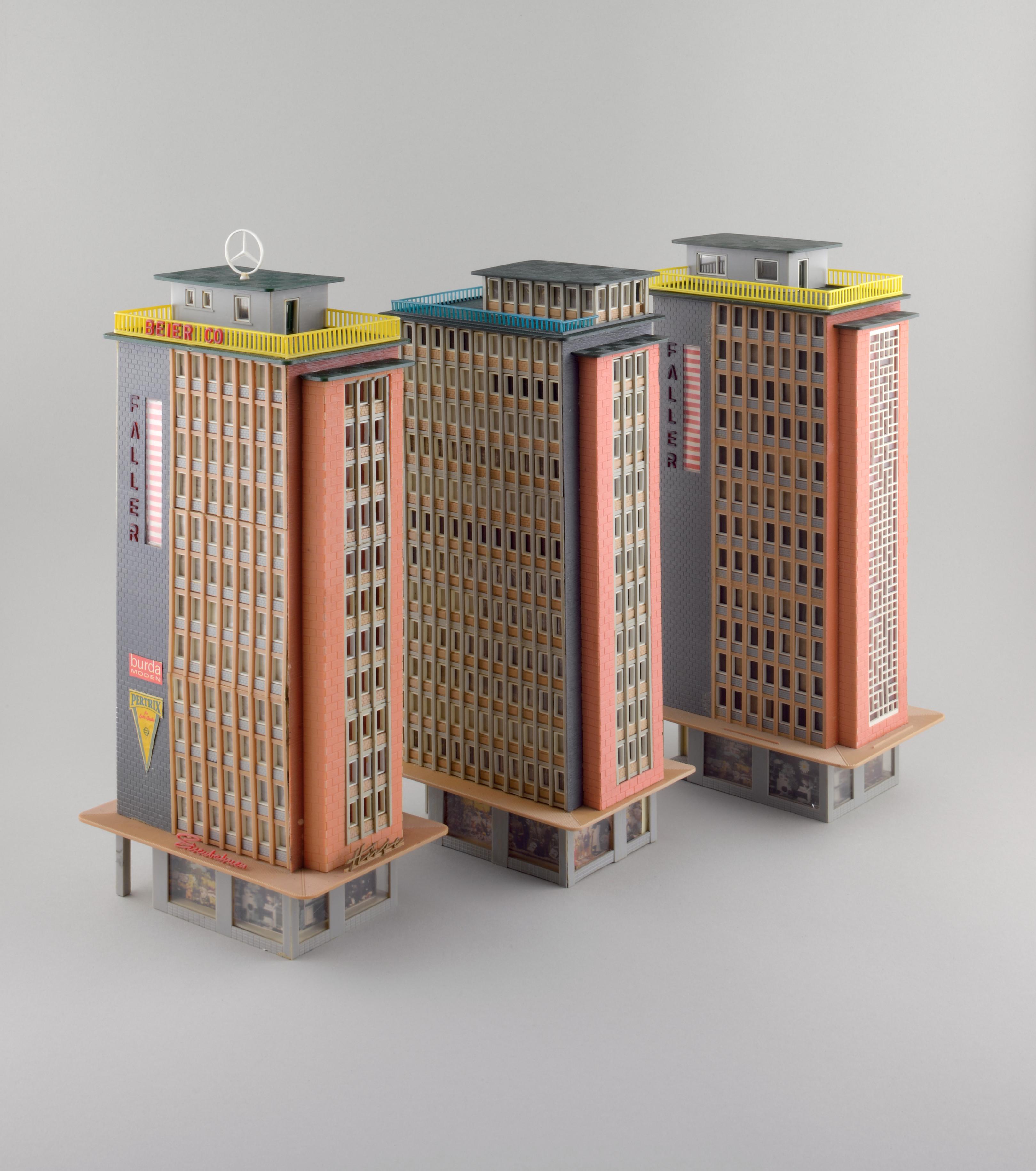"Das Faller-Modell ""Hochhaus"" (ab 1958) (Copyright: Hagen Stier)"