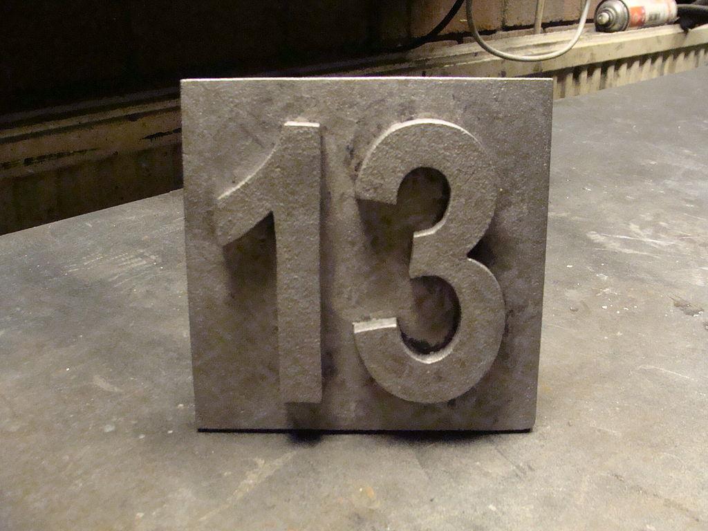 13 (Bild: MetalShaper, CC BY SA 3.0, 2012)