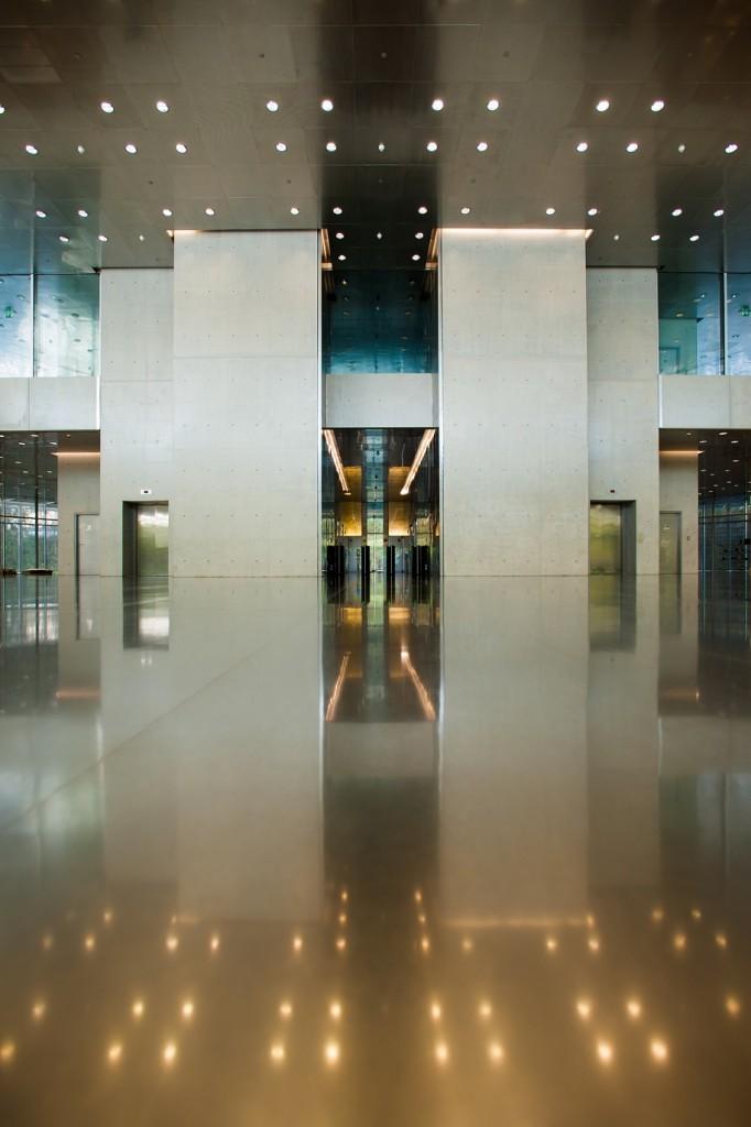 Jean Nouvel, Doha Tower, Turmspitze und Aufzugsdesign (2012) (© Kone GmbH)