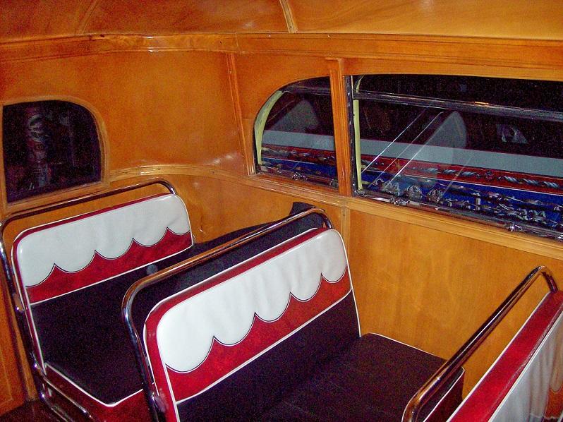 Unser Favorit: Dieser argentinische Bus brachte Ende der 1940er Farbe in den Pendleralltag (Bild: Roberto Fiadone, CC BY SA 3.0)