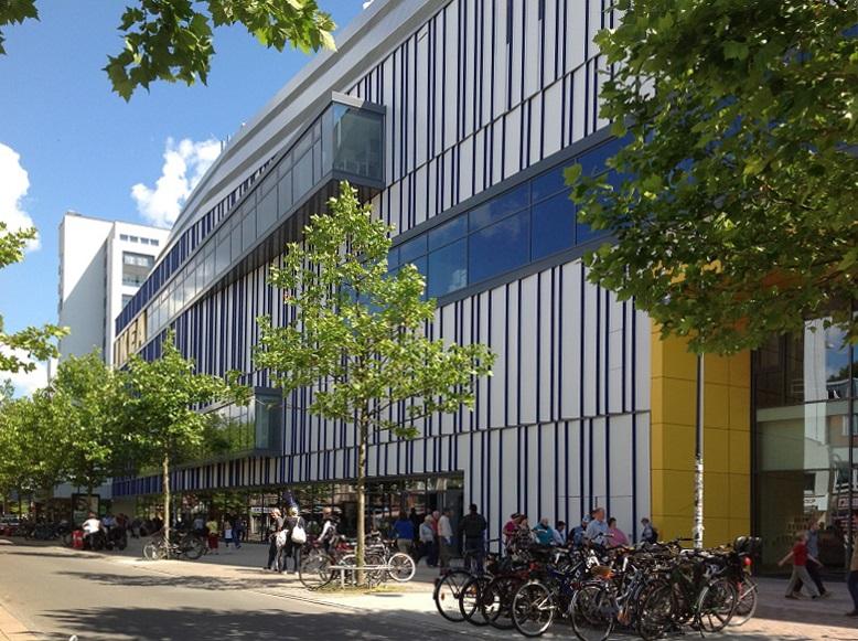 Ikea Statt Frappant Die Fassade Des Schwedischen Möbelhauses In