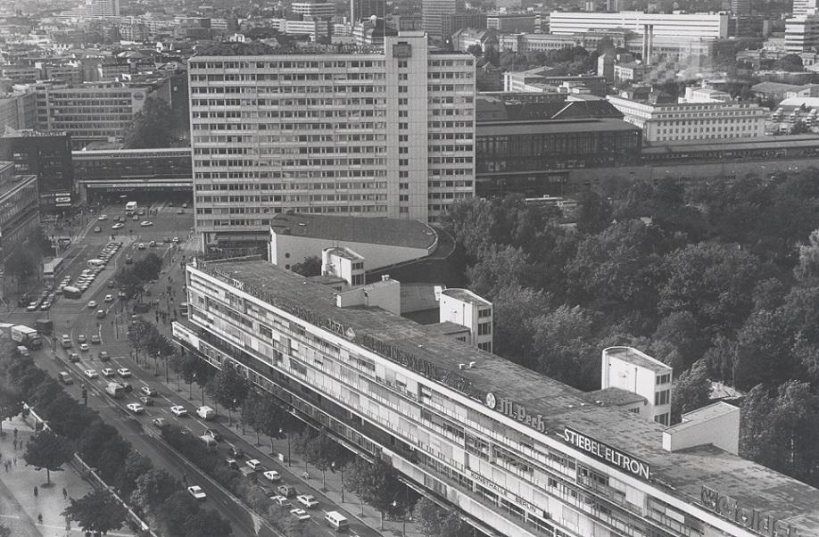 Berlin, Bikini-Haus, Luftbild (Bild: Archiv Paul Schwebes, um 1960)