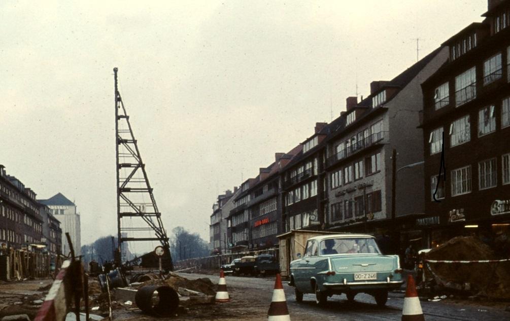 In der Wandsbeker Marktstraße wurde 1961 an der U-Bahn-Strecke gebaut (Bild: Holger Elgaard,1961)
