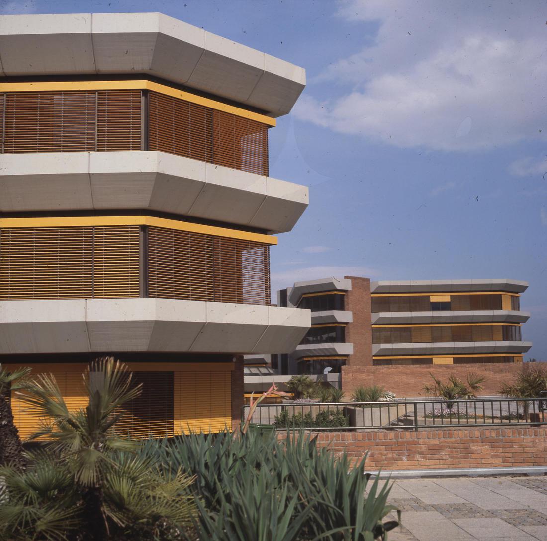 Barcelona, Deutsche Schule (Entwurf: Pysall und Rollenhagen, Realisierung: Architekten PJS, 1969–1976 (Bild: SAIB G124)