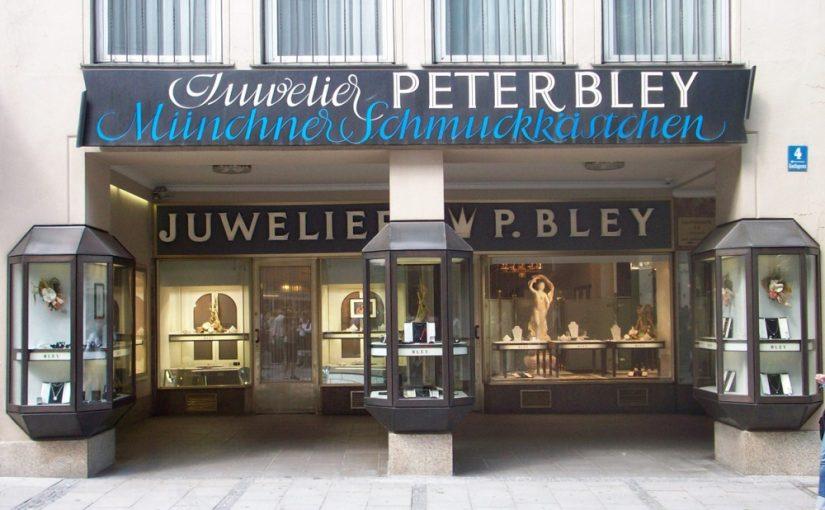 München, Marienplatz, Schriftzug von Franz Hart am Juwelier Bley (Bild: Tobias Köhler, Fakultät für Architektur, TU München)