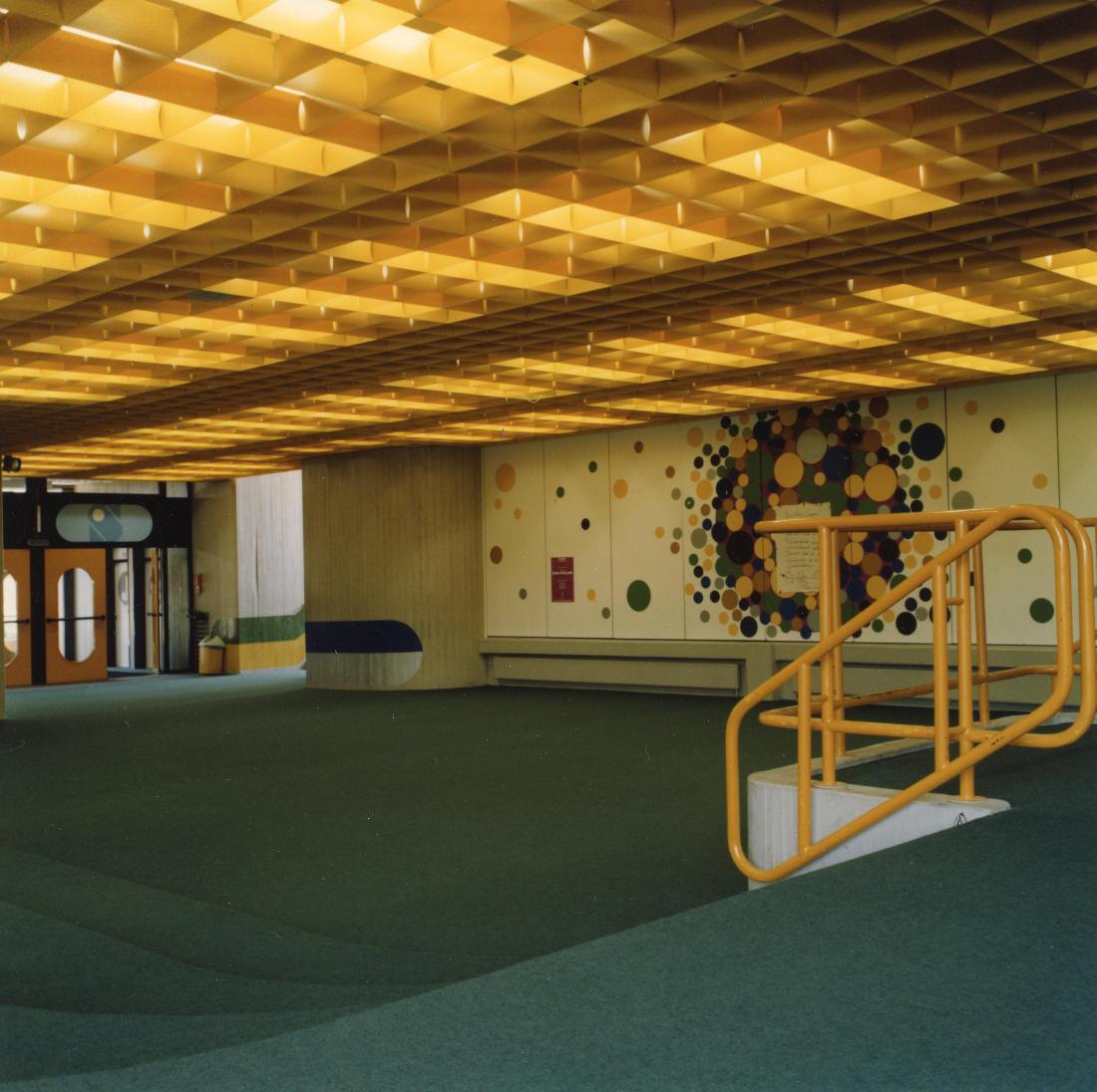 Bargteheide, Gymnasium, Forum, (Architekten PJS, 1971–1979) (Bild: SAIB G124)