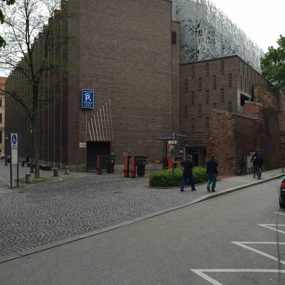 München, Parkhaus von Franz Hart an der Stadtmauer, nahe der Salvatorkirche (Bild: Tobias Köhler, Fakultät für Architektur, TU München)