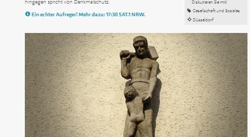 """Online-Umfrage zu Skulptur an einem Düsseldorfer Haus, die unter """"Pädophilie-Verdacht"""" steht (Bild: sat1.nrw.de)"""