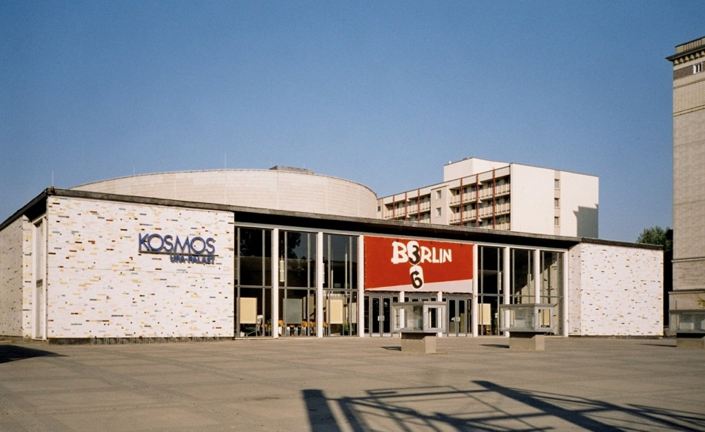 Auch von Kaiser, nach 1989 aber umgebaut: das Kino Kosmos (Bild: PD)