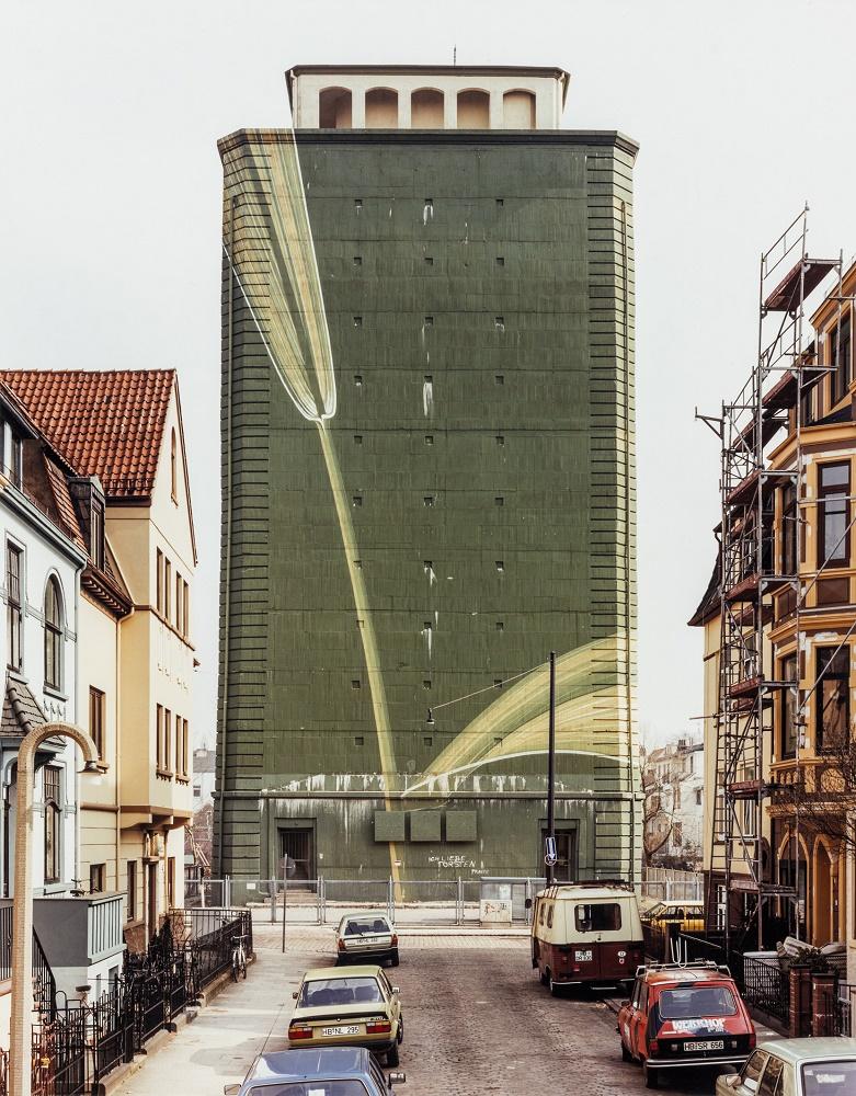Boris Becker, Hochbunker, Bremen, Hardenbergstraße, 1987 (Bild: © Boris Becker; VG Bild-Kunst, Bonn, 2019)