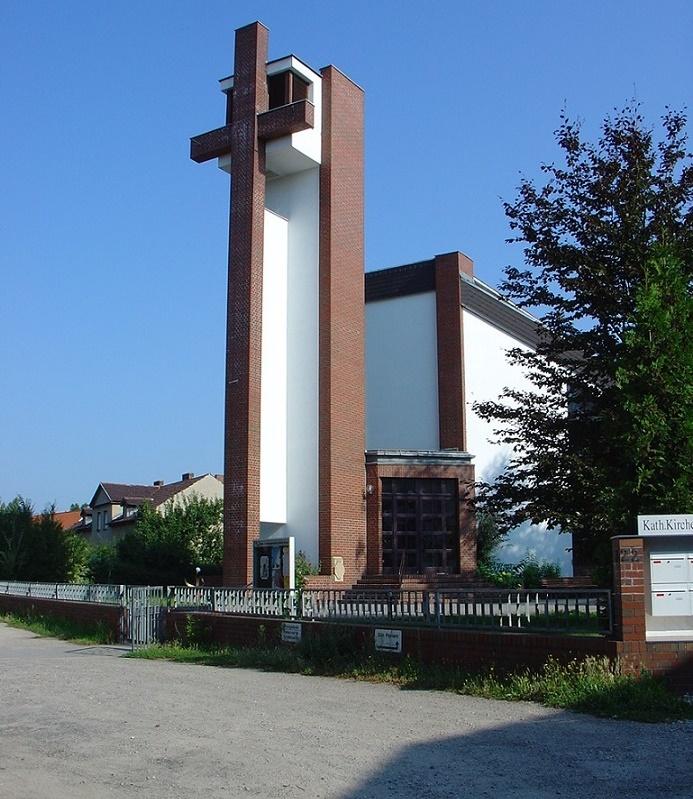 Berlin-Hohenschönhausen, Heilig Kreuz (Bild: Verena Schädler)
