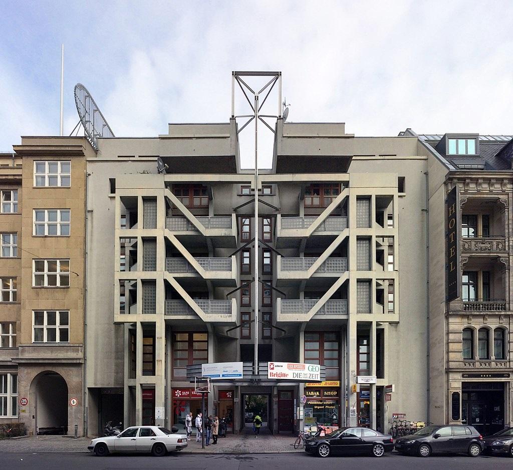 Berlin, Wohn- und Geschäftshaus Friedrichstraße 11 (Bild: Gunnar Klack, CC BY SA 4.0, 2017)