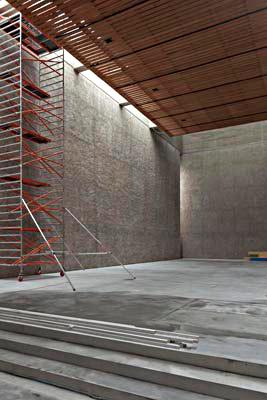 Berlin-Kreuzberg, St. Agnes, Umbau des Kirchenraums im Jahr 2012 (Bild: bandhuber.com)