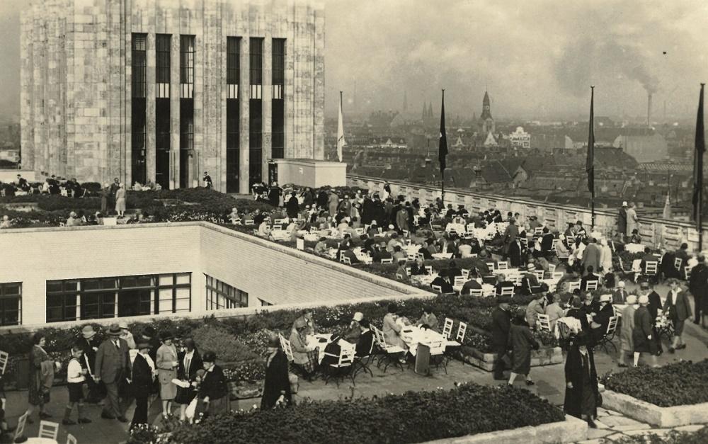 Berlin-Neukölln, Karstadt (Bild: historische Postkarte)