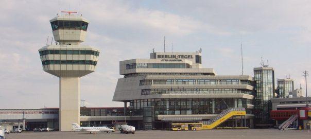 Berlin-Tegel, Flughafen-Hauptgebäude (Bild: Standardizer, GFDL oder CC BY SA 3.0, 2008)