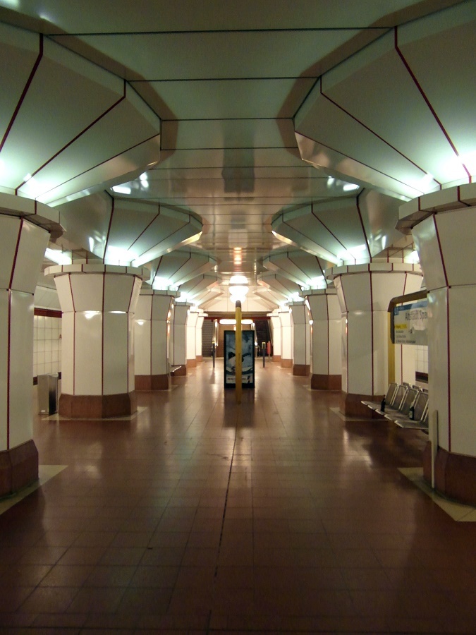 Berlin, U-Bahnhof Altstadt Spandau (Bild: Ingolf, CC BY SA 2.0)