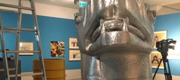 """Ausstellungsaufbau von """"Underground Architecture"""" in der Berlinischen Galerie (Bild: Initiative Kerberos, 2019)"""