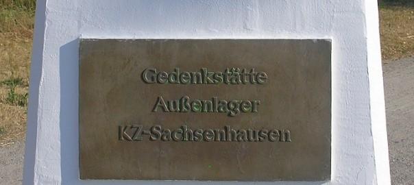Gedenktafel im Außenlager Falkensee (KZ Sachsenhausen) (Bild: OTFW, GFDL oder CC BY SA 3.0)