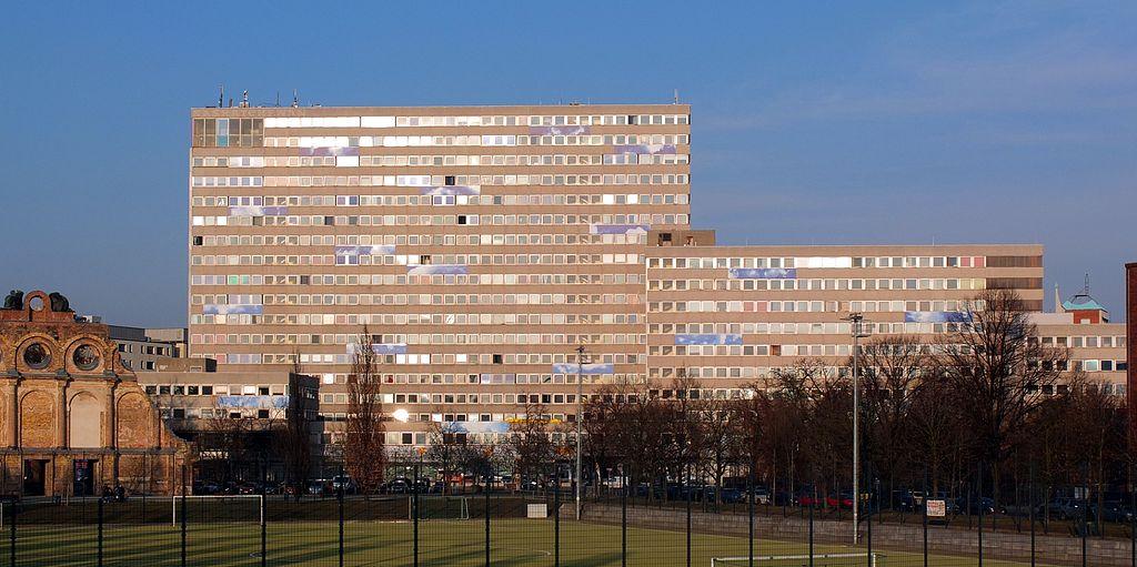 Berlin, Excelsior-Haus (1968, Heinrich Sobotka/Gustav Müller) (Bild: Axel Mauruszat, CC BY SA 3.0, 2013)