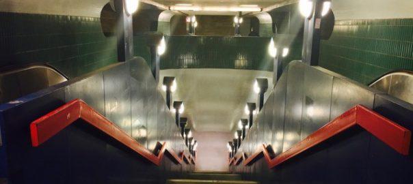 Berlin: Trauerspiel im Untergrund