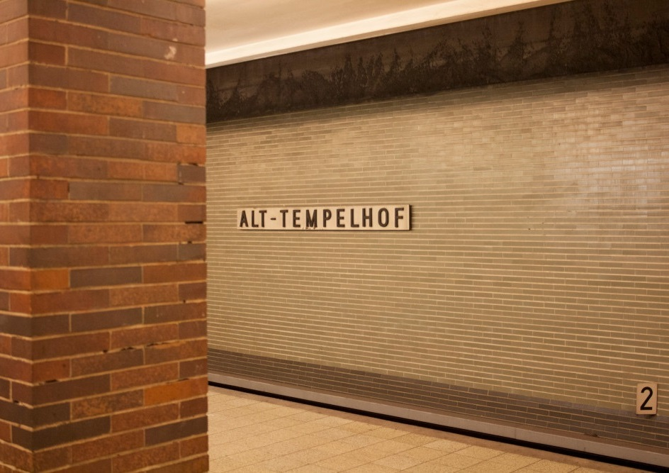 "Berlin, U-Bahnhof ""Alt-Tempelhof"" (Bild: Verena Pfeiffer-Kloss, 2014)"