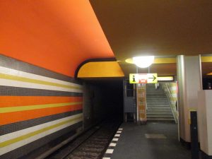 "Berlin, U-Bahnhof ""Konstanzer Straße"" (Bild: Verena Pfeiffer-Kloss, 2014)"