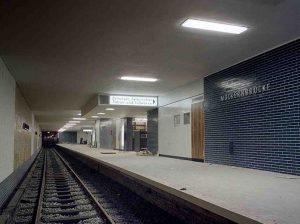 """Berlin, U-Bahnhof """"Möckernbrücke"""" (Bild: Landesarchiv Berlin, 1966)"""