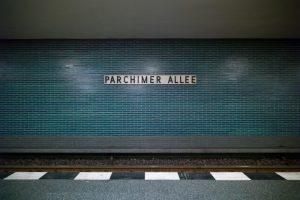 "Berlin, U-Bahnhof ""Parchimer Allee"" (Bild: Nicole Spies, www.urbanpanorama.com)"