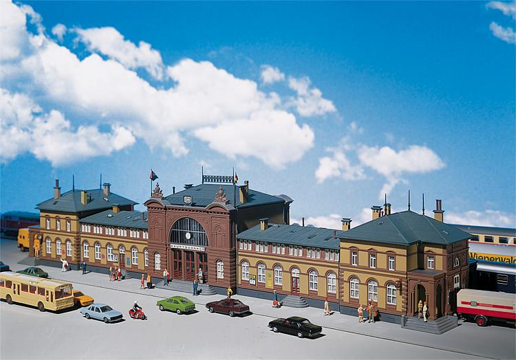Bonn, Bahnhof, Faller-Modell (Bild: faller.de)
