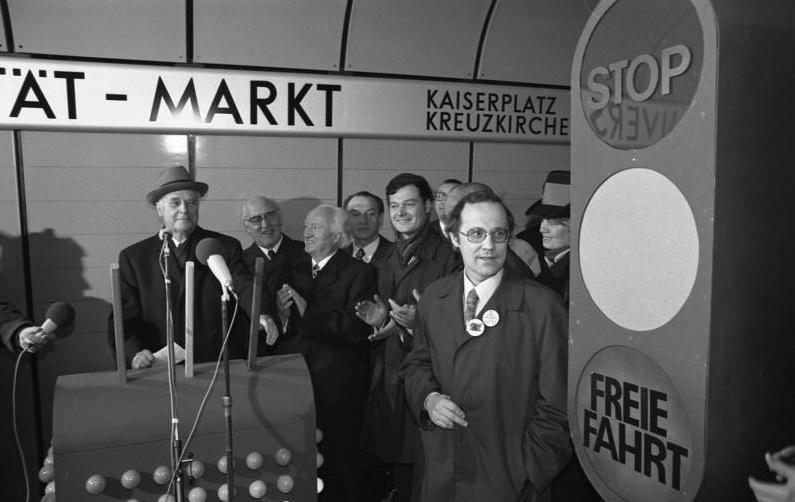 Bonn, Eröffnung der U-Bahn, 1975 (Bundesarchiv, B 14 Bild F045199-0014 (Foto:Ulrich Wienke, CC BY-SA 3.0)