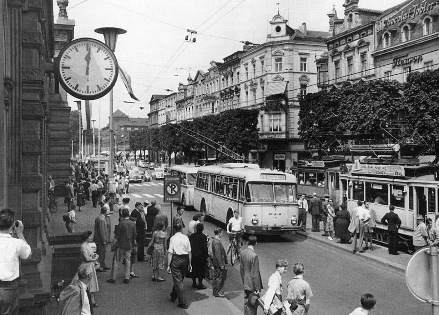 Bonn, Bahnhofsvorplatz (Bild: historische Abbildung, 1950er/60er Jahre, Archiv Martin Bredenbeck)