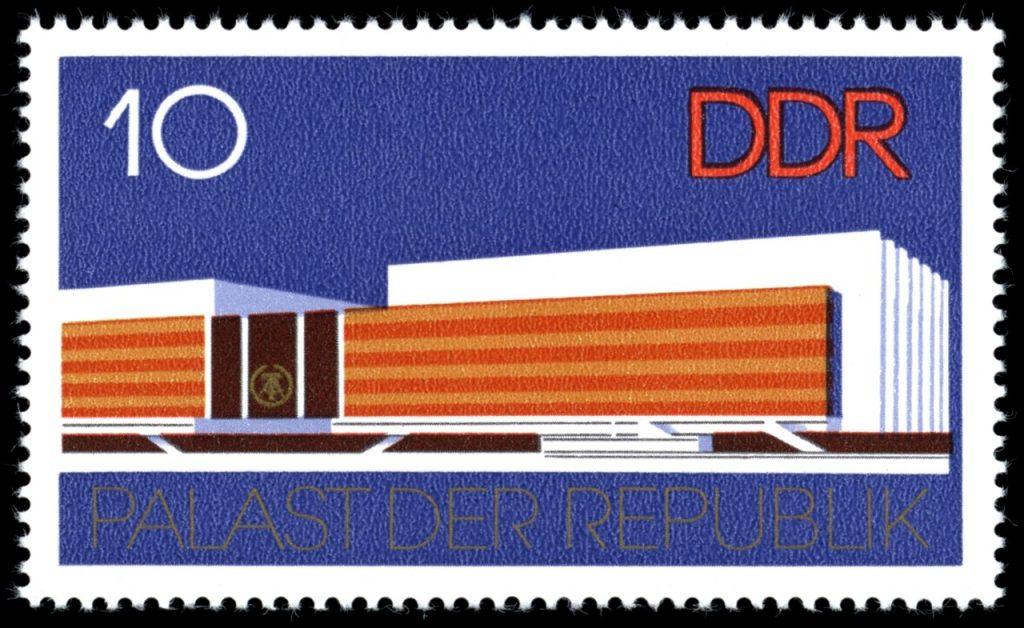 Briefmarke, Palast der Republik, Quelle Wikiwand, CC0