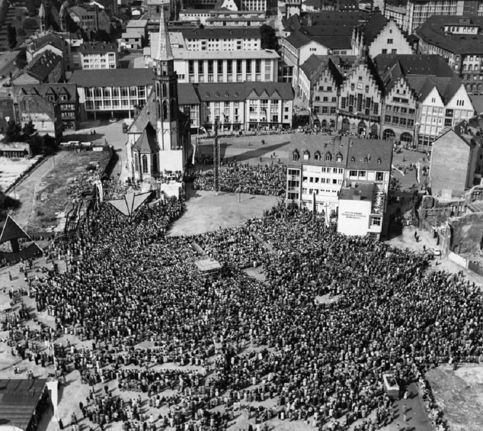 Frankfurt am Main, Kirchentag (Bild: Bundesarchiv B 145, Bild-F003822-0008, CC BY SA 3.0)