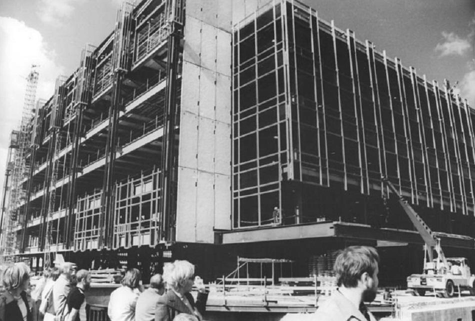 Berlin, Palast der Republik im Bau, 19.9.1974 (Bild: Peter Heinz Junge, Bundesarchiv Bild 183-N0919-0011)