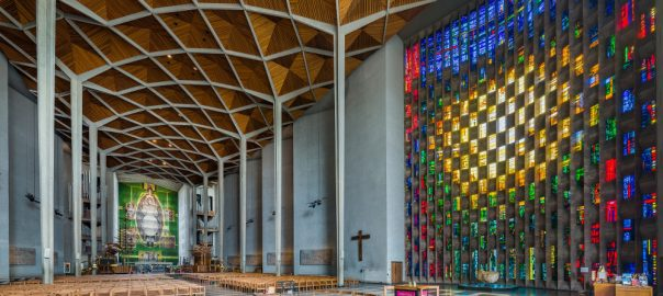 Coventry Cathedral (Bild: Diliff, CC BY SA 3.0 oder GFDL, 2014)