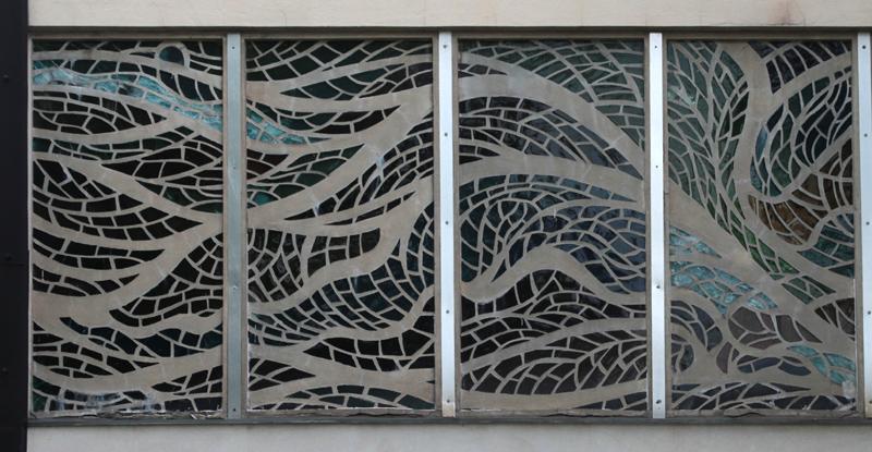 Dessau, Volksschwimmhalle, Betonglasfenster (Bild: Martin Schramme)