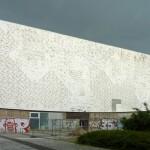 Die Fassade des Kinos ist ein eigenes Kunstwerk (Bild: Lotse, CC-BY-SA 3.0)
