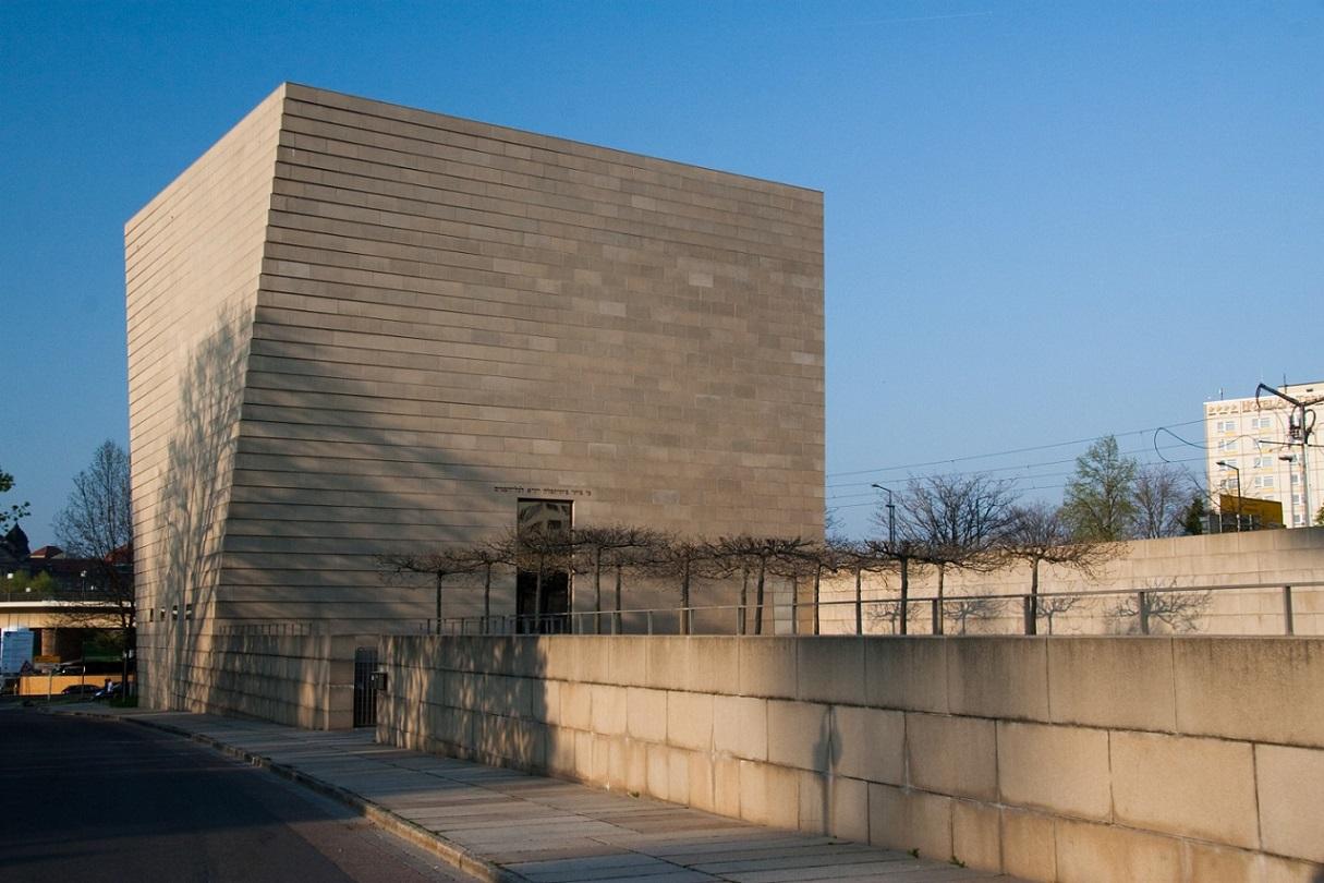 Die neue Synagoge in Dresden (Bild Maros, CC-BY-SA-3.0)