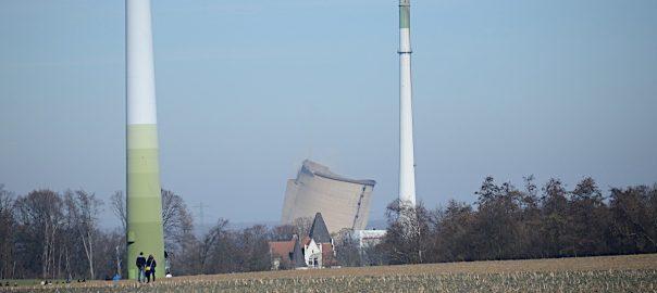 Dortmund, Sprengung des Kraftwerks Gustav Knepper, 2019 (Bild: Linuxuser1, GFDL oder CC BY SA 3.0, 2019)