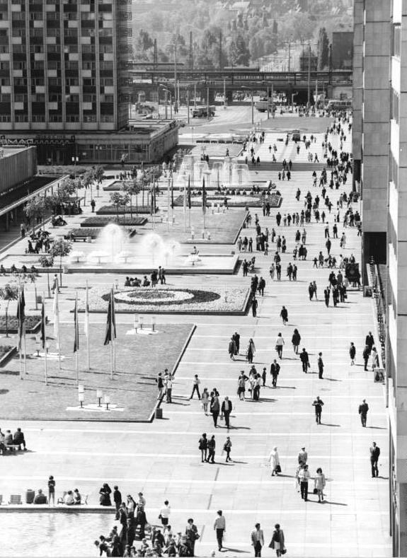 Dresden, Prager Straße, Fußgängerzone, 1975 (Bild: Bundesarchiv Bild 183-P0521-0010, CC BY SA 3.0.de, Foto: Ulrich Häßler)