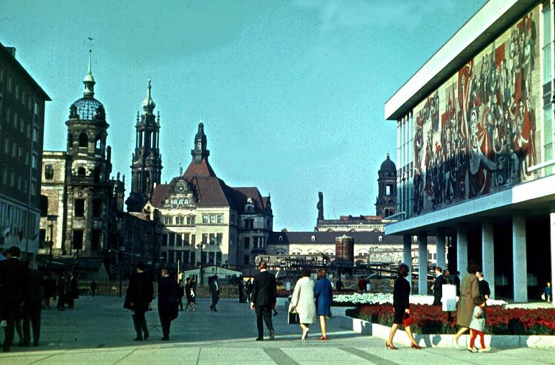 Dresden, Kulturpalast, 1971 (Bild: Bybbisch94, CC BY SA 4.0)