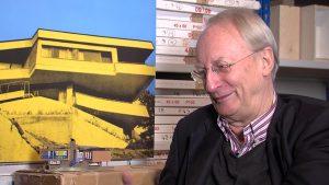 Der Plakatkünstler Klaus Staeck im Interview (Standbild aus dem Film zur Ausstellung, Regie: Otto Schweitzer)