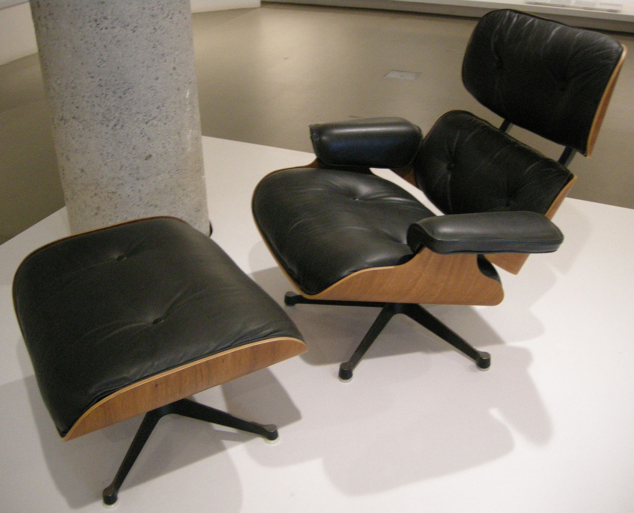 Eames: lounge_chair_(Bild: Sailko, CC_BY_SA 3.0)