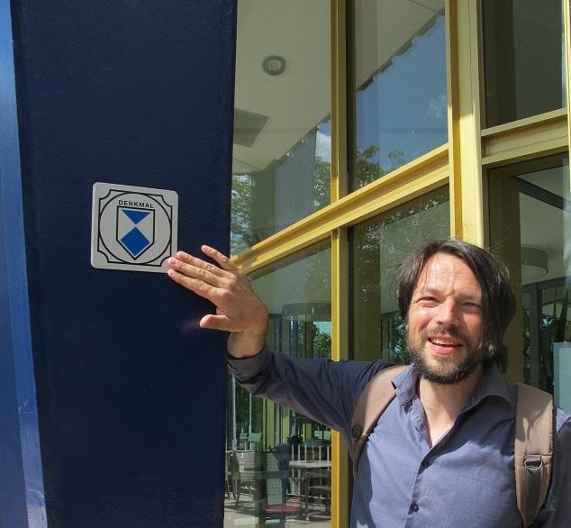 Mark Escherich am Rundbau im Erfurter egapark (Bild: K. Berkemann)