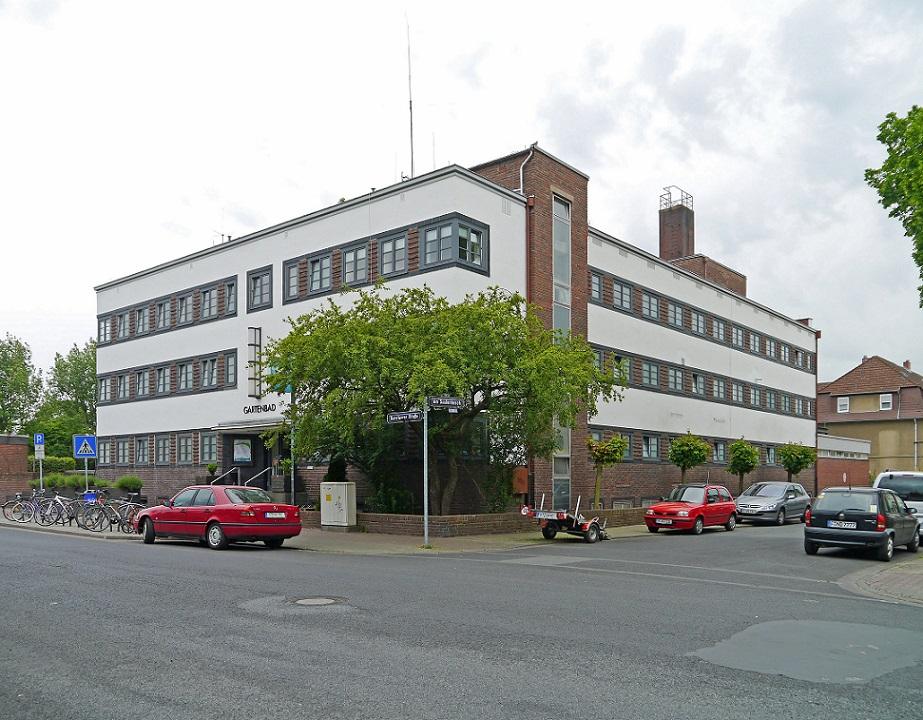 Frankfurt-Fechenheim, Gartenhallenbad, 1927 (Bild: Simsalabibam, CC BY-SA 3.0)