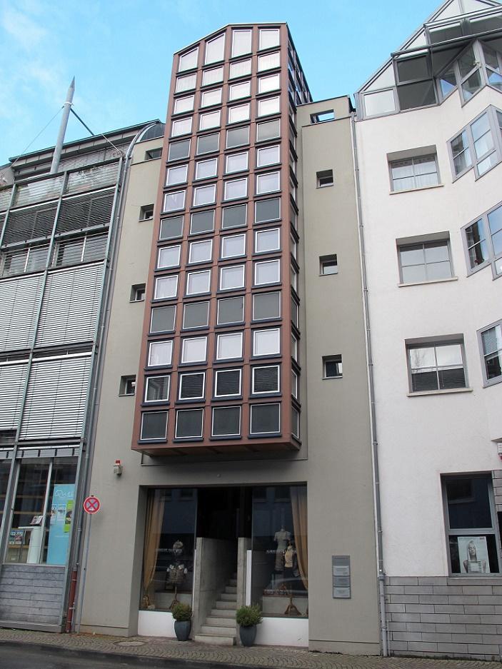 frankfurt main saalgasse 10 architekt christoph m ckler frankfurt bild daniel bartetzko. Black Bedroom Furniture Sets. Home Design Ideas